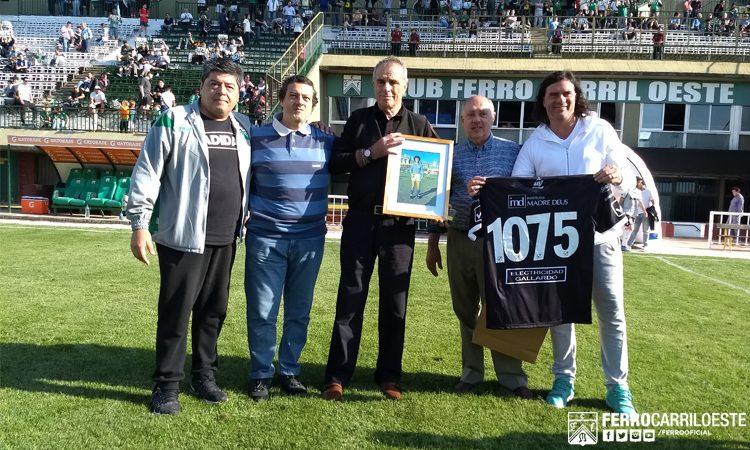 Un homenaje récord